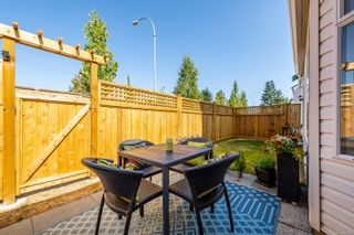 Photo 2: 34 2160 Hawk Dr in : CV Courtenay East Row/Townhouse for sale (Comox Valley)  : MLS®# 883057