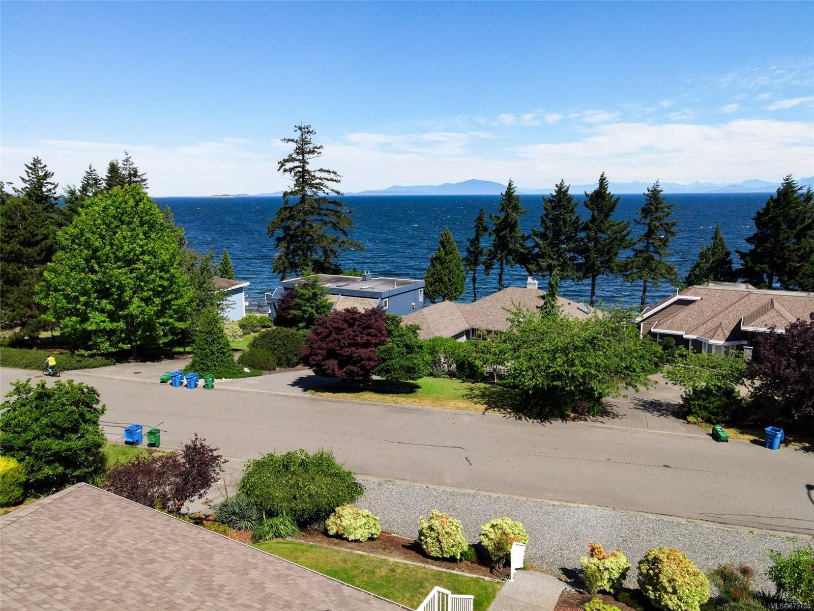 Main Photo: 5201 Fillinger Cres in : Na North Nanaimo House for sale (Nanaimo)  : MLS®# 879704