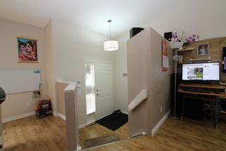 Photo 4: 40 APPLEWOOD Drive SE in Calgary: Applewood Park Detached for sale : MLS®# A1019291