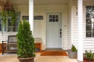 Photo 2: 1746 Swartz Bay Rd in : NS Swartz Bay House for sale (North Saanich)  : MLS®# 865512