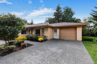 Photo 2: 13 639 Kildew Rd in VICTORIA: Co Hatley Park Row/Townhouse for sale (Colwood)  : MLS®# 825262