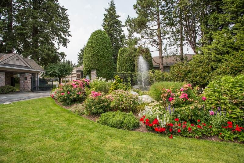 """Photo 19: Photos: 83 2533 152 Street in Surrey: Sunnyside Park Surrey Townhouse for sale in """"Bishop's Green"""" (South Surrey White Rock)  : MLS®# R2354943"""