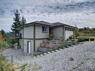 Photo 2: 5855 MEDUSA Street in Sechelt: Sechelt District House for sale (Sunshine Coast)  : MLS®# R2616802
