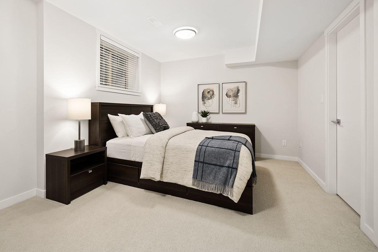 "Photo 26: Photos: 2452 165 Street in Surrey: Grandview Surrey Condo for sale in ""Hycroft"" (South Surrey White Rock)  : MLS®# R2545917"