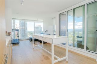 """Photo 4: 2106 13438 CENTRAL Avenue in Surrey: Whalley Condo for sale in """"PRIME ON THE PLAZA"""" (North Surrey)  : MLS®# R2623474"""