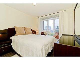 """Photo 10: # 305 155 E 3RD ST in North Vancouver: Lower Lonsdale Condo for sale in """"THE SOLANO"""" : MLS®# V1024934"""