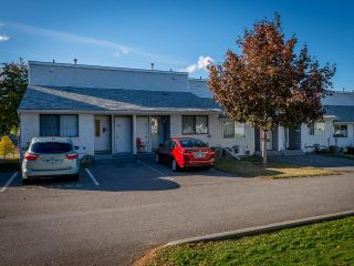 Photo 1: 307 1780 SPRINGVIEW PLACE in Kamloops: Sahali Townhouse for sale : MLS®# 164486