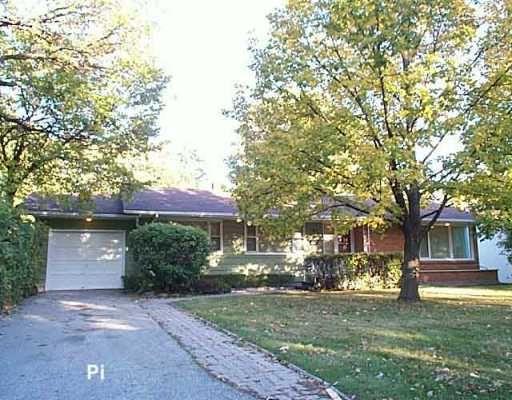 Photo 1: Photos: 147 HARRIS Boulevard in Winnipeg: St James Single Family Detached for sale (West Winnipeg)  : MLS®# 2515743