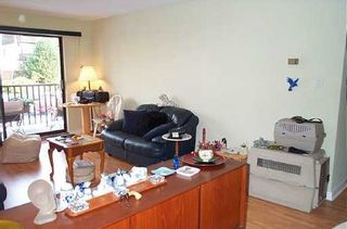 "Photo 3: 131 W 4TH Street in North Vancouver: Lower Lonsdale Condo for sale in ""NOTTINGHAM PLACE"" : MLS®# V626584"