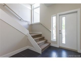 Photo 4: 2 235 Island Hwy in VICTORIA: VR View Royal Row/Townhouse for sale (View Royal)  : MLS®# 694517