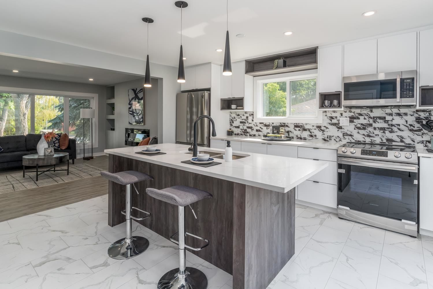 Main Photo: 13536 117 Avenue in Edmonton: Zone 07 House for sale : MLS®# E4256312