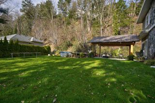 "Photo 5: 35825 OLD YALE Road in Abbotsford: Abbotsford East House for sale in ""W OF TRWY TO MCLR N OF SFW"" : MLS®# R2537816"