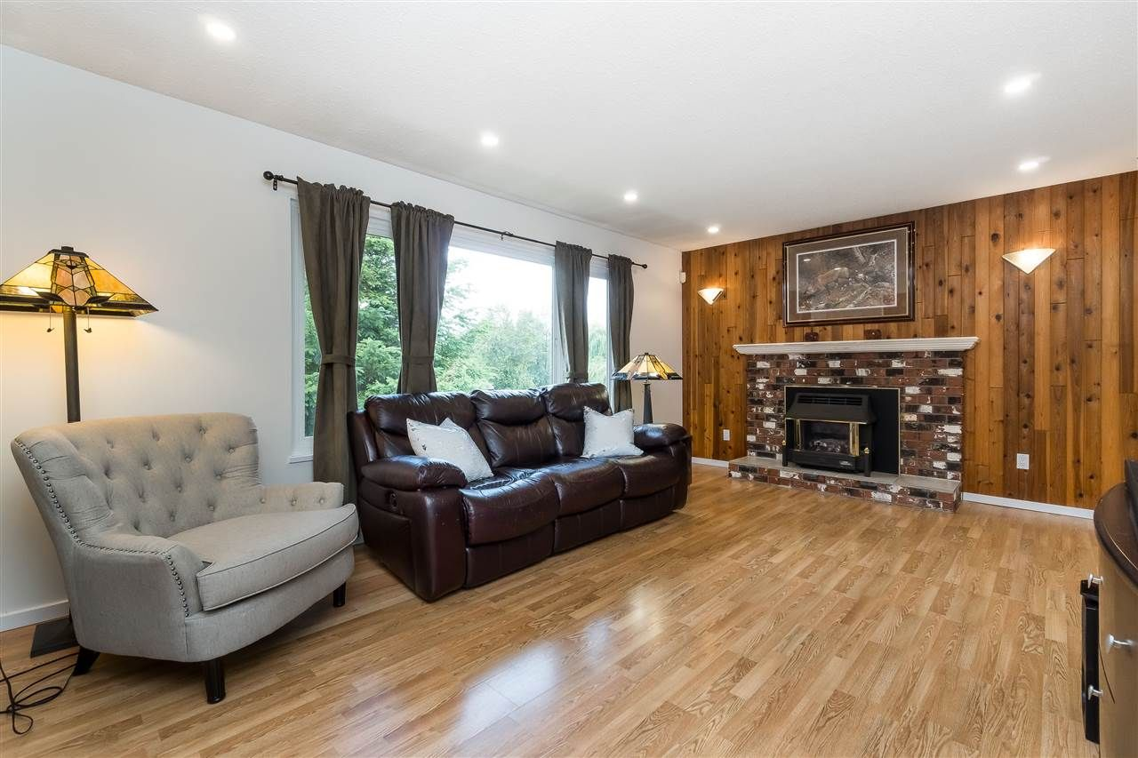Photo 8: Photos: 3124 BABICH Street in Abbotsford: Central Abbotsford House for sale : MLS®# R2480951