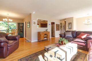 Photo 4: 3953 Margot Pl in Saanich: SE Maplewood House for sale (Saanich East)  : MLS®# 856689