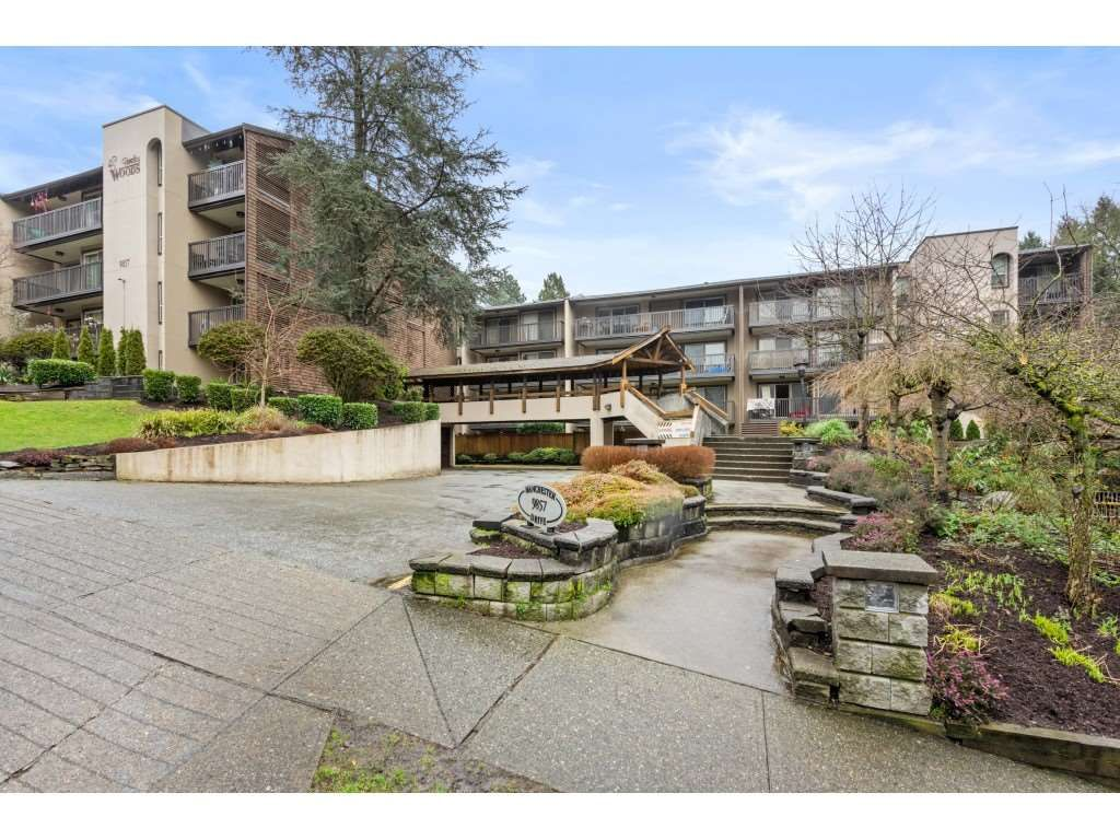 "Main Photo: 202 9857 MANCHESTER Drive in Burnaby: Cariboo Condo for sale in ""BARCLAY WOODS"" (Burnaby North)  : MLS®# R2536595"