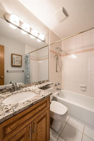 Photo 25: 219 SIGNAL HILL Point SW in Calgary: Signal Hill Detached for sale : MLS®# A1071289