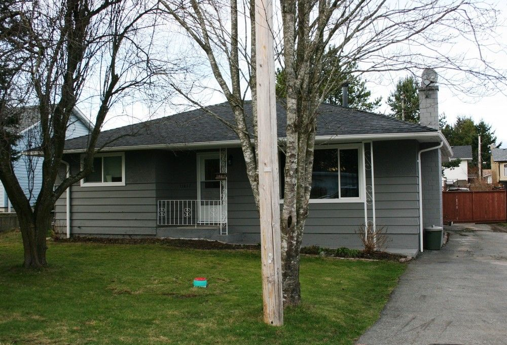 Main Photo: 15837 Thrift Avenue in White Rock: Home for sale : MLS®# F1005736