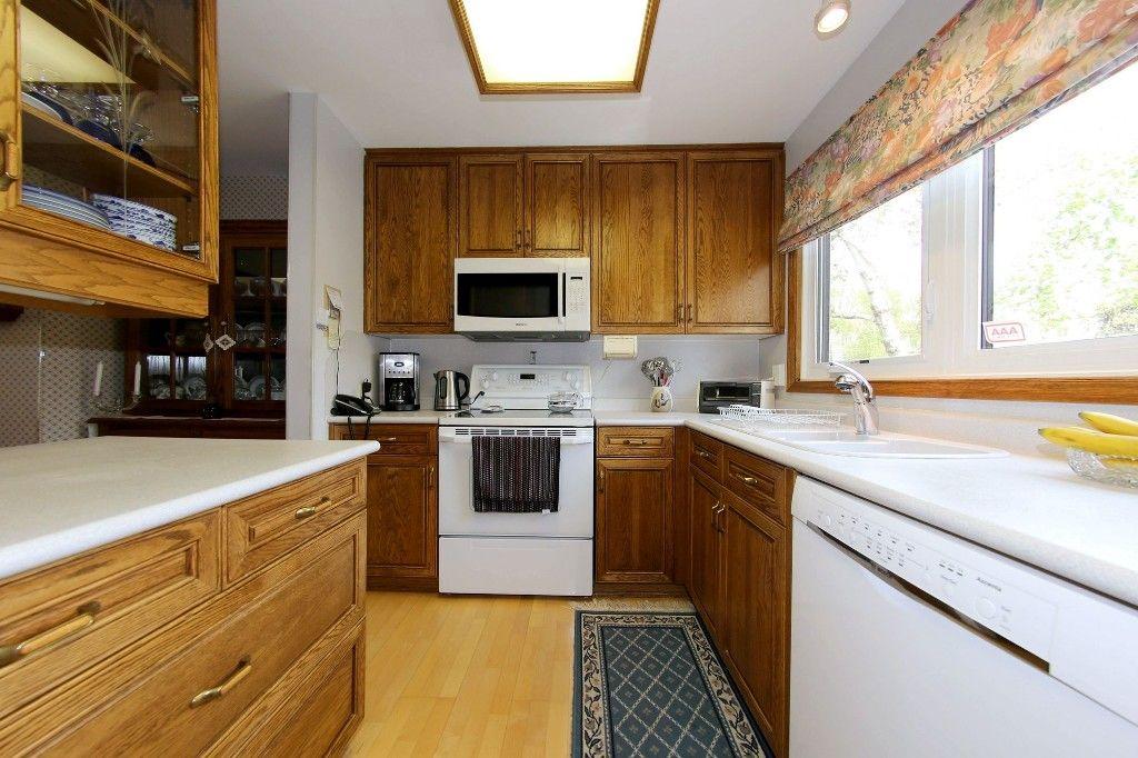 Photo 8: Photos: 1 1048 Buchanan Boulevard in Winnipeg: Crestview Townhouse for sale (West Winnipeg)  : MLS®# 1514156