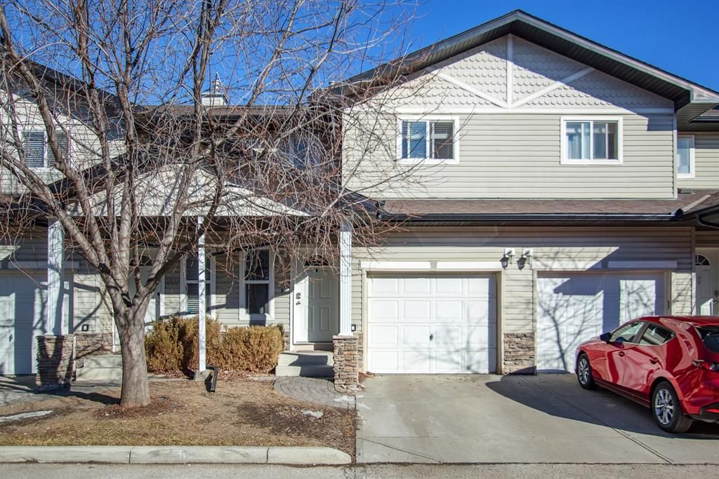 Main Photo: 204 760 Railway Gate SW: Airdrie Row/Townhouse for sale : MLS®# A1074940