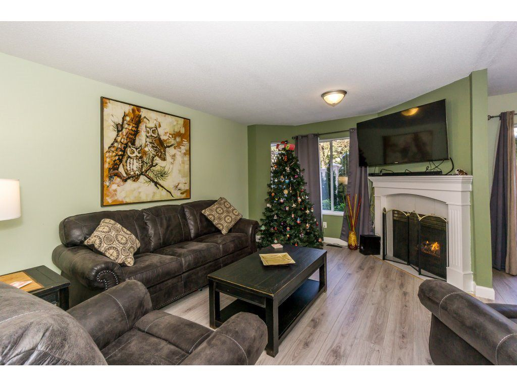 """Photo 12: Photos: 72 21928 48 Avenue in Langley: Murrayville Townhouse for sale in """"Murray Glen"""" : MLS®# R2229327"""