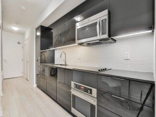 Photo 7: 5 Hanna Ave Unit #703 in Toronto: Niagara Condo for sale (Toronto C01)  : MLS®# C4098566