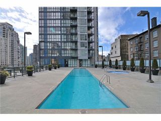 """Photo 2: 301 1155 SEYMOUR Street in Vancouver: Downtown VW Condo for sale in """"BRAVA"""" (Vancouver West)  : MLS®# R2117217"""
