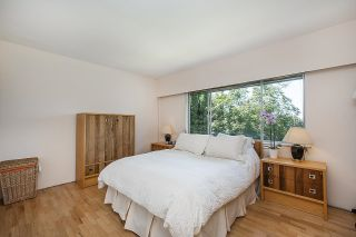 Photo 18: 555 LUCERNE Place in North Vancouver: Upper Delbrook House for sale : MLS®# R2599437