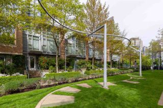 """Photo 12: 160 COOPER'S Mews in Vancouver: Yaletown Townhouse for sale in """"QUAY WEST"""" (Vancouver West)  : MLS®# R2608251"""