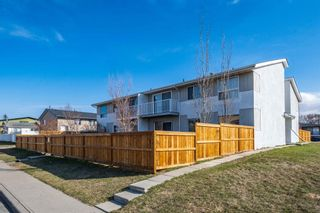 Photo 1: 7 4328 75 Street NW in Calgary: Bowness Apartment for sale : MLS®# A1094944