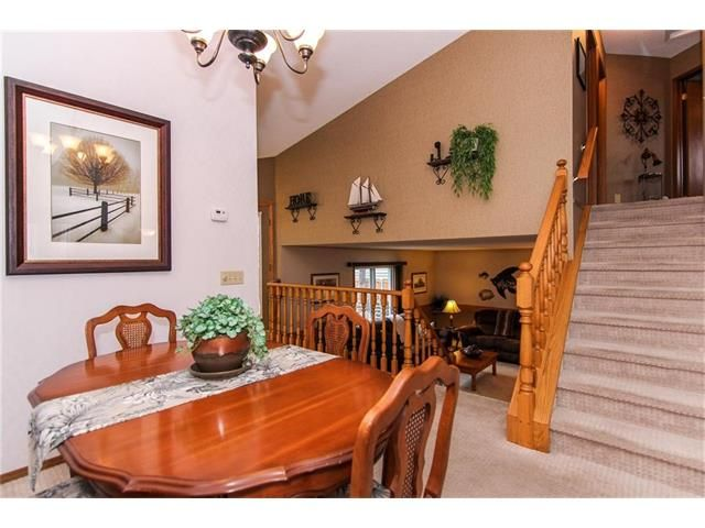 Photo 10: Photos: 139 MCKERRELL Way SE in Calgary: McKenzie Lake House for sale : MLS®# C4102134