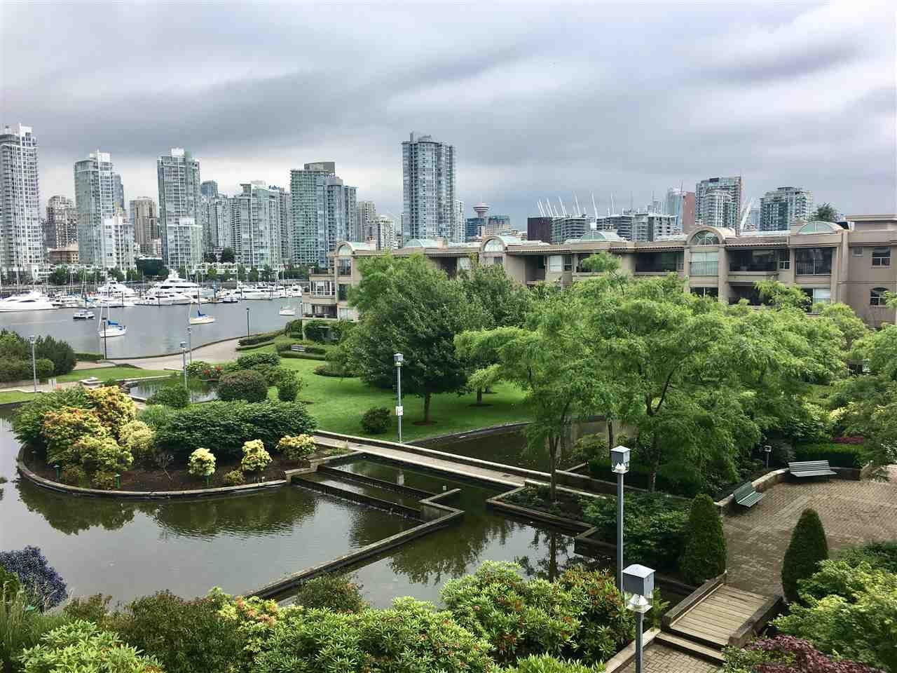 """Main Photo: 402 456 MOBERLY Road in Vancouver: False Creek Condo for sale in """"PACIFIC COVE"""" (Vancouver West)  : MLS®# R2179312"""