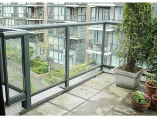 Photo 3: # 503 1450 W 6TH AV in Vancouver: Fairview VW Condo for sale (Vancouver West)  : MLS®# V834325