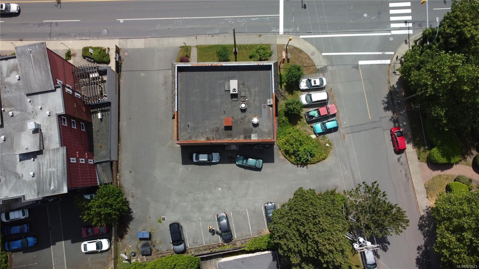 Main Photo: 90 W Gorge Rd in : SW Gorge Business for sale (Saanich West)  : MLS®# 879521