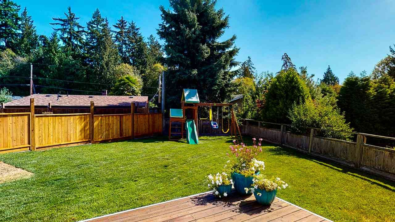 Photo 39: Photos: 5472 CARNABY Place in Sechelt: Sechelt District House for sale (Sunshine Coast)  : MLS®# R2495555