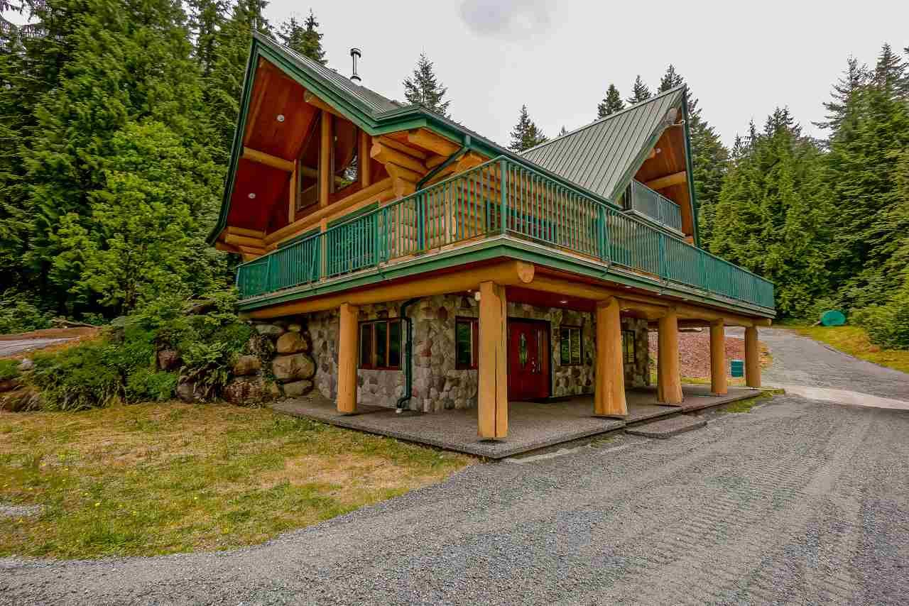 Main Photo: 10402 SHAW Street in Mission: Mission-West House for sale : MLS®# R2462234