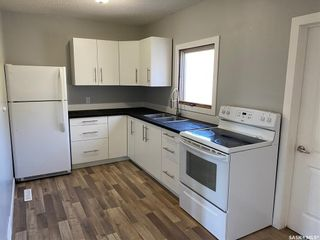 Photo 3: 65 13th Avenue Southeast in Swift Current: Residential for sale : MLS®# SK871477