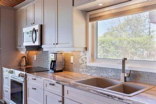 Photo 11: 132 Shore Lane: Wasaga Beach House (Bungalow) for sale : MLS®# S5259310