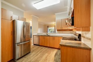 """Photo 3: 105 15298 20 Avenue in Surrey: King George Corridor Condo for sale in """"WATERFORD HOUSE"""" (South Surrey White Rock)  : MLS®# R2614640"""