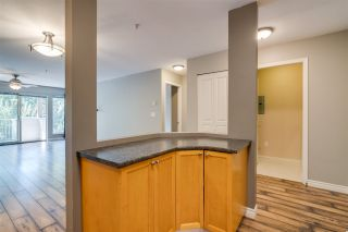 "Photo 4: 206 33478 ROBERTS Avenue in Abbotsford: Central Abbotsford Condo for sale in ""Aspen Creek"" : MLS®# R2403357"