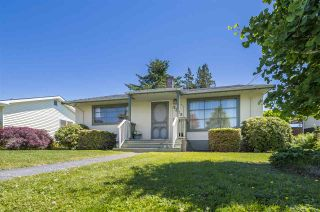 Photo 2: 9828 CANDOW Street in Chilliwack: Chilliwack N Yale-Well House for sale : MLS®# R2379071