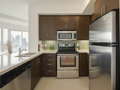 Photo 10: Photos: 06 50 Absolute Avenue in Mississauga: City Centre Condo for lease : MLS®# W3047187