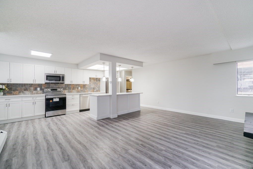 Main Photo: 106 410 AGNES Street in New Westminster: Downtown NW Condo for sale : MLS®# R2351137