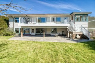 Main Photo: 2141 Fairbairn Ave in : CV Comox (Town of) House for sale (Comox Valley)  : MLS®# 873150