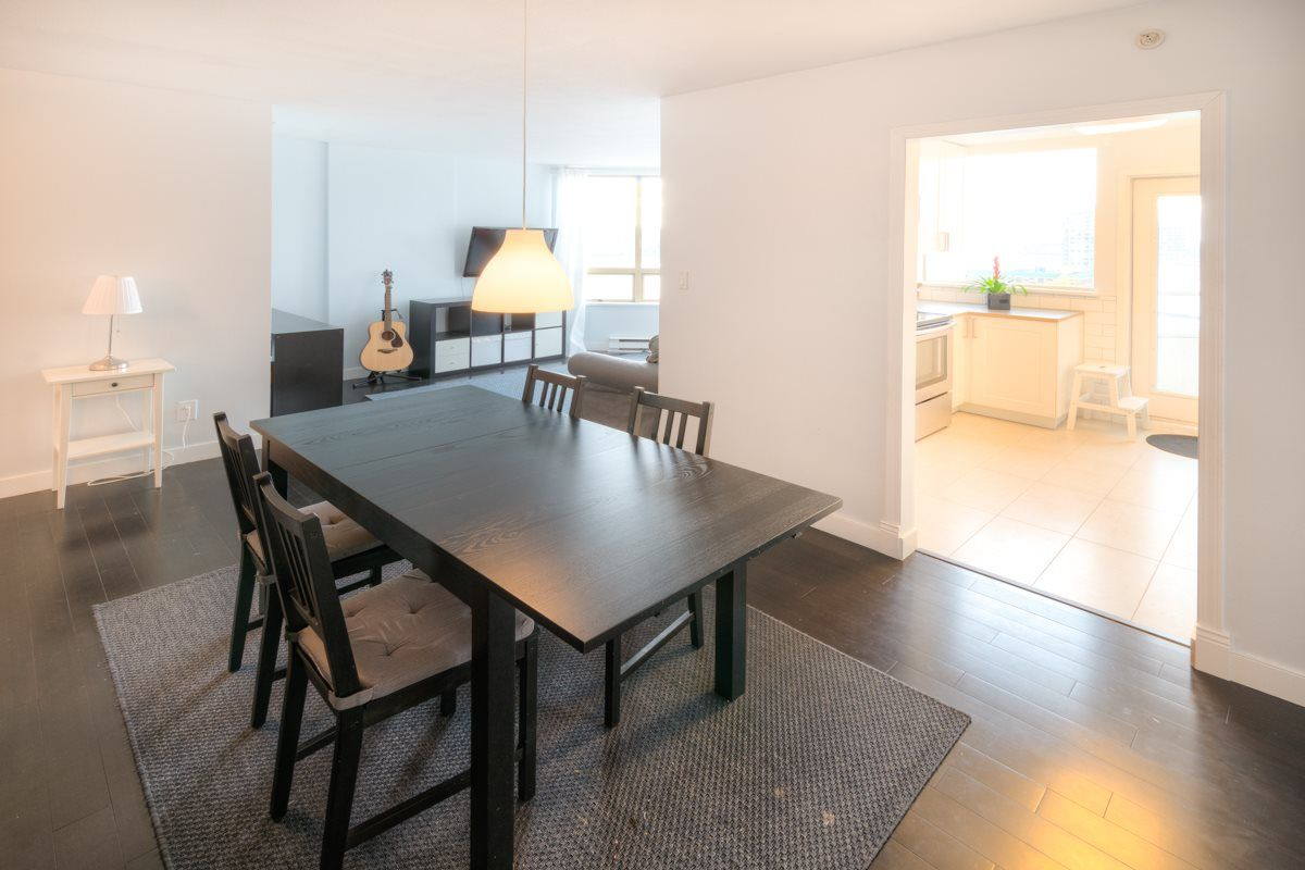 """Photo 3: Photos: 503 328 CLARKSON Street in New Westminster: Downtown NW Condo for sale in """"Highbourne Towers"""" : MLS®# R2012912"""