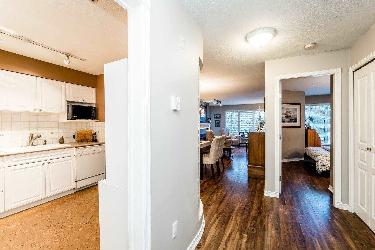 """Photo 3: Photos: 107 1140 STRATHAVEN Drive in North Vancouver: Northlands Condo for sale in """"Strathaven"""" : MLS®# R2131232"""