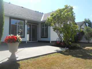 """Photo 3: 6 19649 53 Avenue in Langley: Langley City Townhouse for sale in """"Huntsfield Green"""" : MLS®# R2192002"""