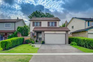 Main Photo: 2914 Arles Mews in Mississauga: Meadowvale House (2-Storey) for sale : MLS®# W4564506