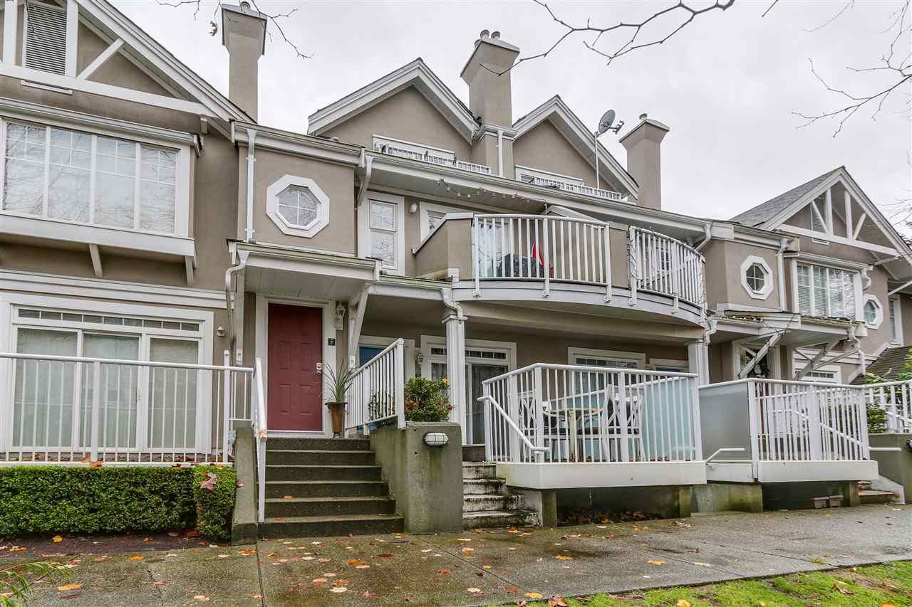 Main Photo: 7 2422 HAWTHORNE AVENUE in : Central Pt Coquitlam Townhouse for sale : MLS®# R2225784
