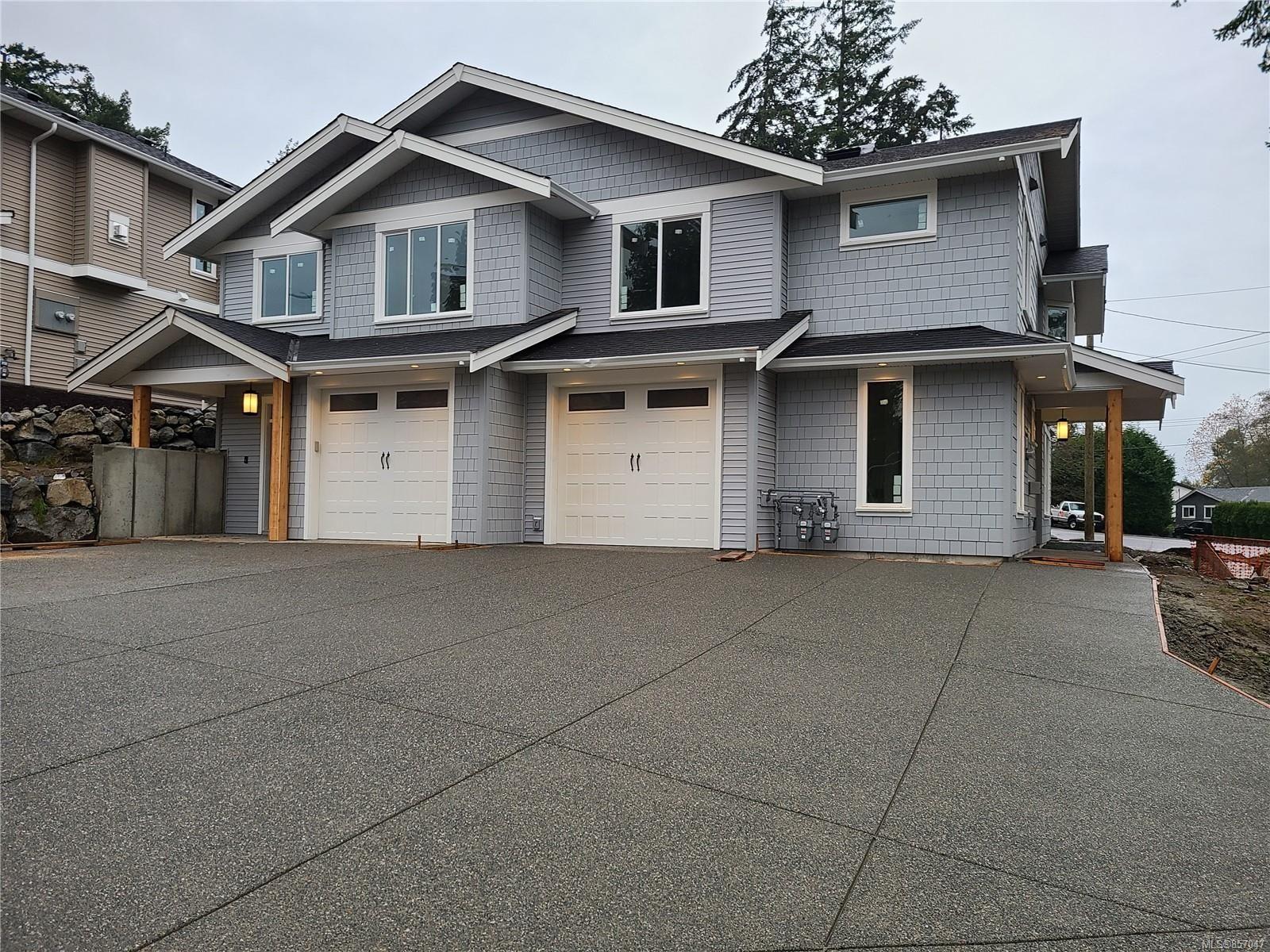 Main Photo: 102 Golden Oaks Cres in : Na North Nanaimo Half Duplex for sale (Nanaimo)  : MLS®# 857047