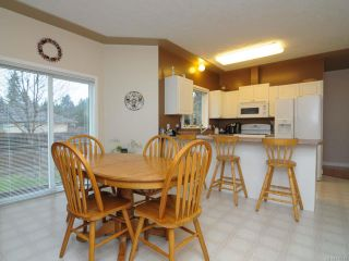 Photo 5: 201 2727 1st St in COURTENAY: CV Courtenay City Row/Townhouse for sale (Comox Valley)  : MLS®# 716740